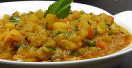 Lauki Turrayi Aalu Bhaaji Recipe
