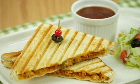 Grilled Sandwich With Chicken & Cheese Recipe