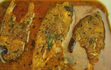 Machli Ka Salan (Fish Curry) Recipe