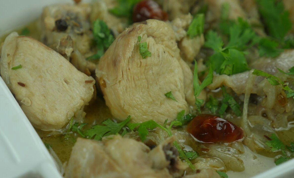 Kharay Masalay Ki Murghi (whole Spice Chicken)