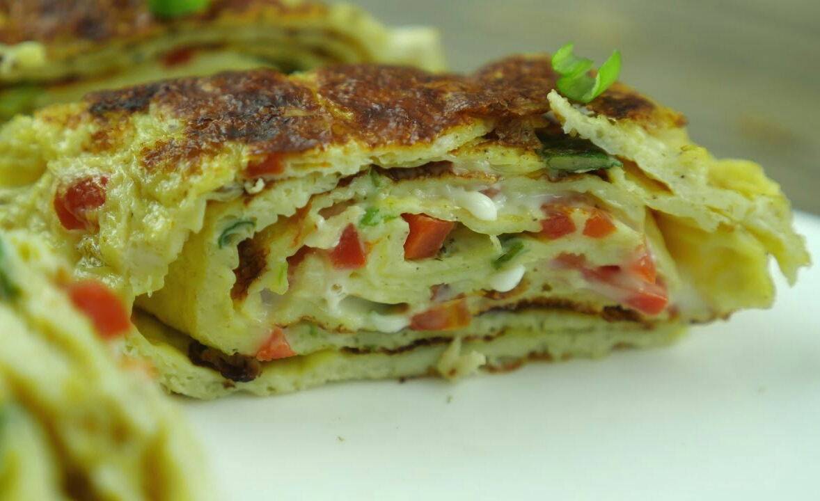 Omelette roll with chicken & cheese Recipe