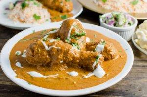 Ilaichi Wali Makhni Murghi (Butter Chicken With Cardamoms)