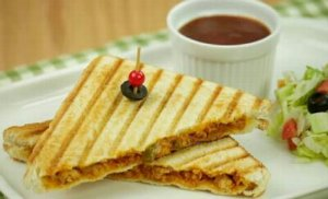 Grilled Sandwich With Chicken & Cheese